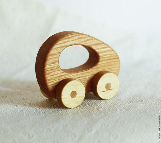 Техника ручной работы. Ярмарка Мастеров - ручная работа. Купить Машинка деревянная с дырочкой  ( развивающая игрушка). Handmade. Машинка