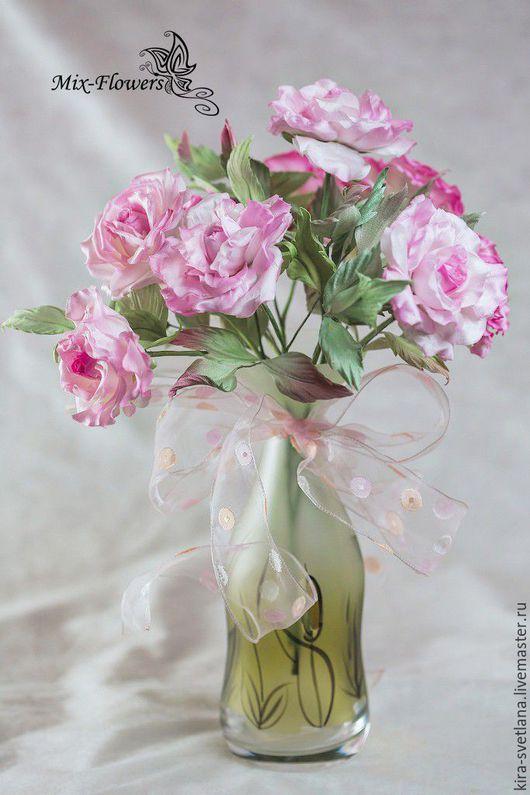 Интерьерный букет Роз `Анабель` Составлен из девяти шелковых роз `Анабель`. Розочки имеют разную интенсивность окрашивания от нежно розового оттенка - к розовому.  Полностью ручная работа .