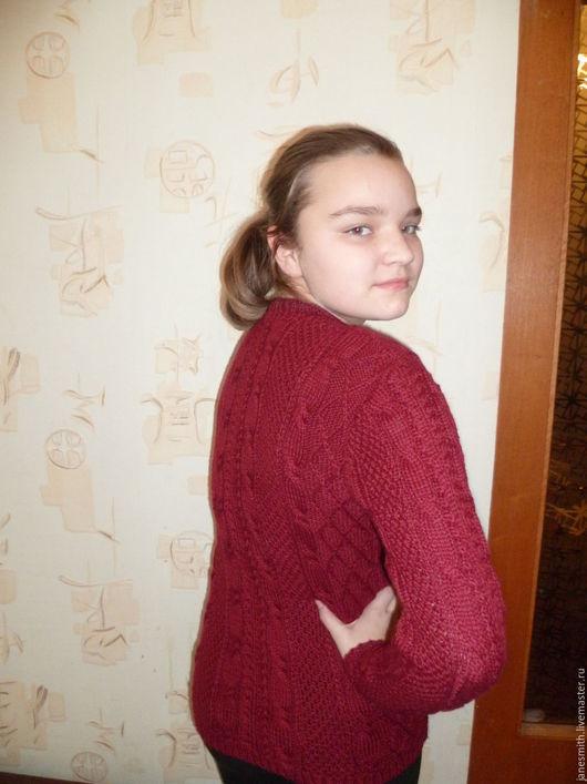 Кофты и свитера ручной работы. Ярмарка Мастеров - ручная работа. Купить вязаный свитер с аранами. Handmade. Бордовый, одежда для мальчиков