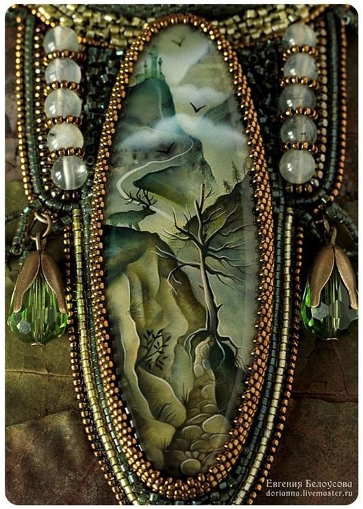 """Кулоны, подвески ручной работы. Ярмарка Мастеров - ручная работа. Купить Кулон с росписью """"Дорога вверх"""" (пейзаж, лес, горы, лаковая миниатюра). Handmade."""