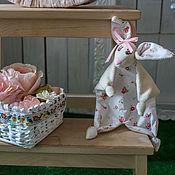 Куклы и игрушки ручной работы. Ярмарка Мастеров - ручная работа игрушка Комфортер детский зайка (зайчик, куски). Handmade.