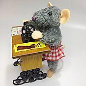 Мини фигурки и статуэтки ручной работы. Ярмарка Мастеров - ручная работа Мышка швея. Handmade.