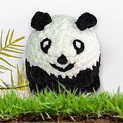 Мягкие игрушки ручной работы. Ярмарка Мастеров - ручная работа Плюшевая вязанная игрушка Шаропанда для малышей черно-белая 13 см. Handmade.