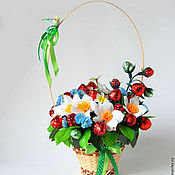"""Цветы и флористика ручной работы. Ярмарка Мастеров - ручная работа Букет из конфет """"Ягодное лето"""". Handmade."""