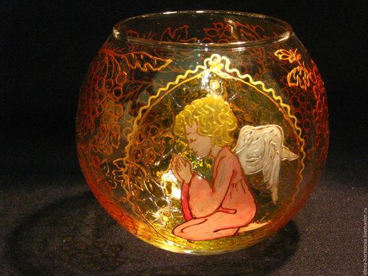 Подсвечник с ангелом, роспись на христианскую тематику. Это стеклянный подсвечник или ваза  ручной работы в ретро-стиле. Заказать роспись http://www.livemaster.ru/elena-harmonia