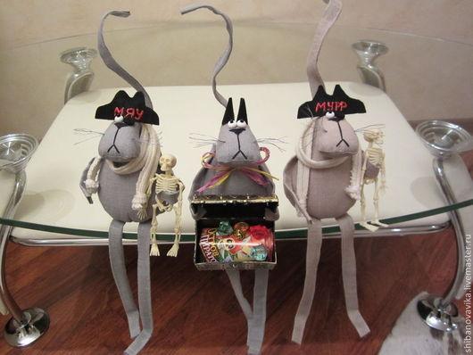 Игрушки животные, ручной работы. Коты-пираты. Автор Шибанова Виктория. Дизайн-студия авторских игрушек `SamiSrukami`. Ярмарка Мастеров.