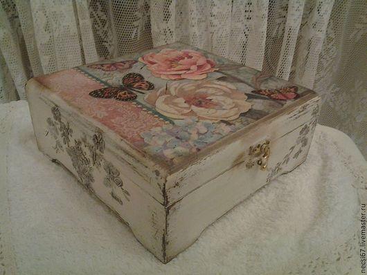 Чайная коробка Бабочки и цветы