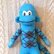 Куклы и игрушки ручной работы. Ярмарка Мастеров - ручная работа Носочная обезьянка Бирюзовый Джо. Handmade.