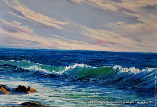 Морской пейзаж. Волна и небо перед закатом