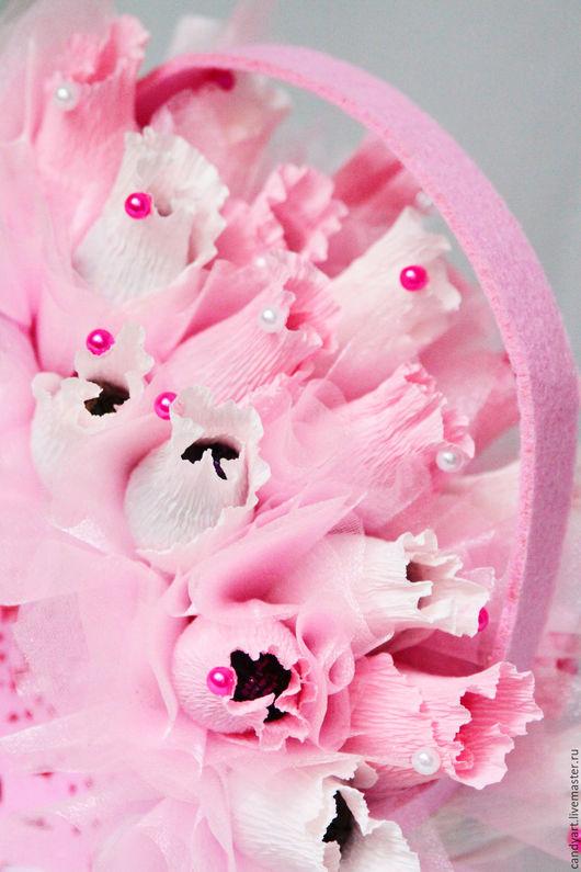 """Букеты ручной работы. Ярмарка Мастеров - ручная работа. Купить Сладкий букет из 19 конфет """"Розы в сумочке"""". Handmade. Розовый"""