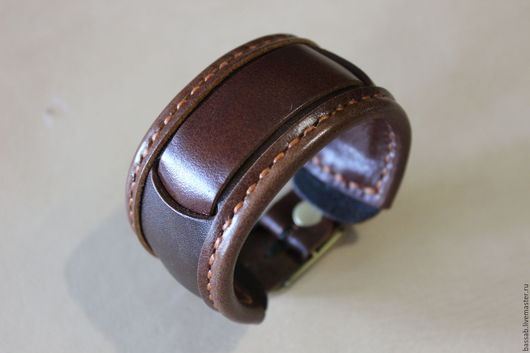 Пояса, ремни ручной работы. Ярмарка Мастеров - ручная работа. Купить Кожаный ремешок для часов.. Handmade. Коричневый, сшит вручную