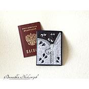 """Канцелярские товары ручной работы. Ярмарка Мастеров - ручная работа Вышитая обложка для паспорта из серии """"Бу"""". Handmade."""