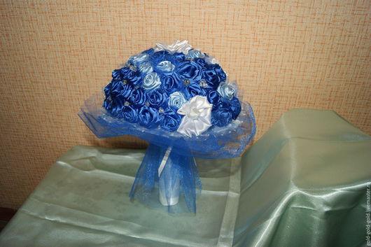 Свадебные цветы ручной работы. Ярмарка Мастеров - ручная работа. Купить Букет невесты Бездна цветов. Handmade. Синий, бусины