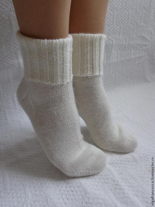Носки, чулки ручной работы. Носки вязаные. Носочки вязаные «Снегурочка» из коллекции «Подарки». Olgafrancesca . Ярмарка мастеров.