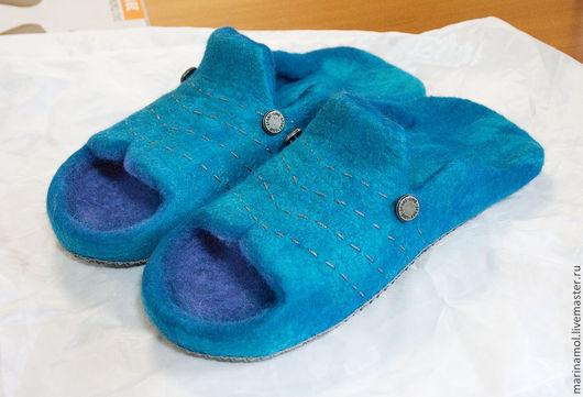 Обувь ручной работы. Ярмарка Мастеров - ручная работа. Купить Мужские валяные тапки. Handmade. Синий, валяные тапочки