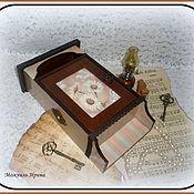 """Для дома и интерьера ручной работы. Ярмарка Мастеров - ручная работа ключница с дверкой """"Ромашки"""". Handmade."""