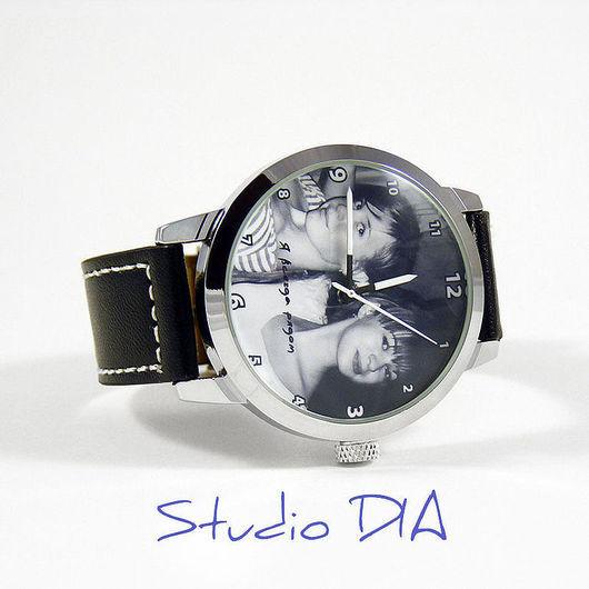 Часы Под Заказ - Я Всегда Рядом (Подруге). \r\nЧасы с индивидуальным дизайном под заказ.\r\nСтудия Дизайнерских Часов DIA.