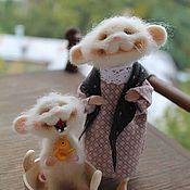 Куклы и игрушки ручной работы. Ярмарка Мастеров - ручная работа Мышка умывается солнцу улыбается). Handmade.