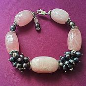 Украшения ручной работы. Ярмарка Мастеров - ручная работа браслет из натурального камня (розовый кварц, чёрный жемчуг). Handmade.