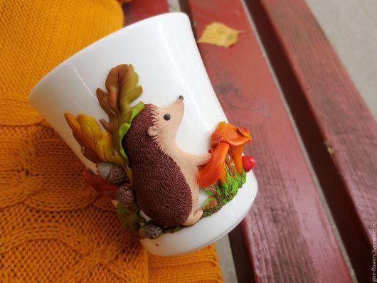 Кружки и чашки ручной работы. Ярмарка Мастеров - ручная работа. Купить Кружка Ёжик с лисичками. Handmade. Ежик, ежик из глины