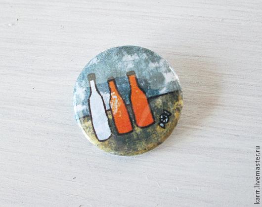 Броши ручной работы. Ярмарка Мастеров - ручная работа. Купить Значок «3 бутылки и конфетка». Handmade. Серый, бутылка, пластик