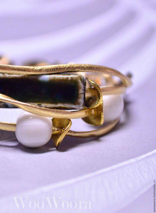 """Браслеты ручной работы. Ярмарка Мастеров - ручная работа. Купить Золотистый браслет """"Злато"""" с керамическими бусинами. Handmade. Золотой, шнуры"""