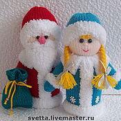 """Подарки к праздникам ручной работы. Ярмарка Мастеров - ручная работа """"Дедушка Мороз и Снегурочка"""" вязаные игрушки. Handmade."""