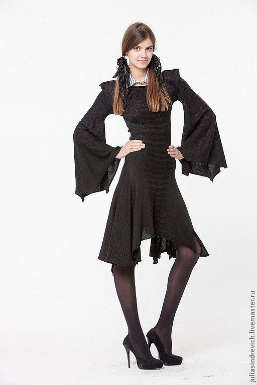 BB_017 Платье приталенное «Летучая мышь» с мышкой-жабо «черное на черном», цвет черный, 40% мериносовая шерсть, 40% акрил, 20% метанит.