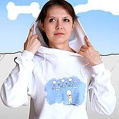 Футболки ручной работы. Ярмарка Мастеров - ручная работа Белая женская футболка с капюшоном, прикольная футболка с рисунком. Handmade.