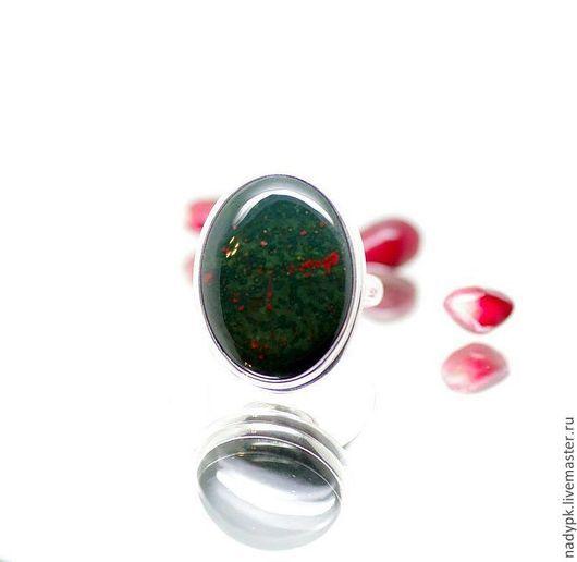 """Кольца ручной работы. Ярмарка Мастеров - ручная работа. Купить Серебряное кольцо Гелиотроп """"Искупление"""". Handmade. Тёмно-зелёный"""