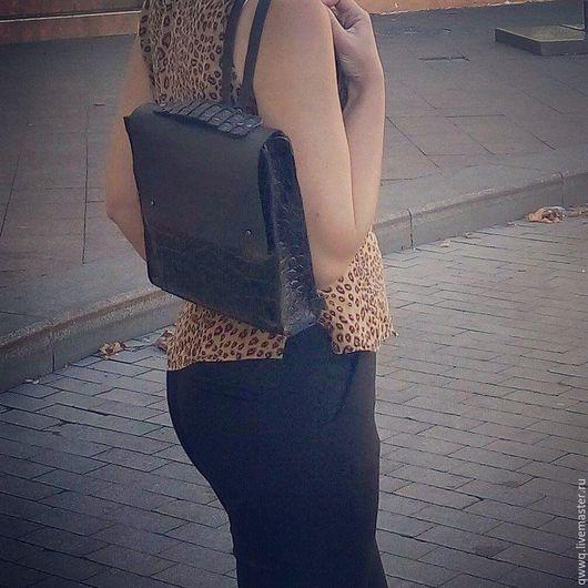 """Рюкзаки ручной работы. Ярмарка Мастеров - ручная работа. Купить Кожаный рюкзак """"Черный крокодил"""". Handmade. Черный, рюкзак кожаный"""