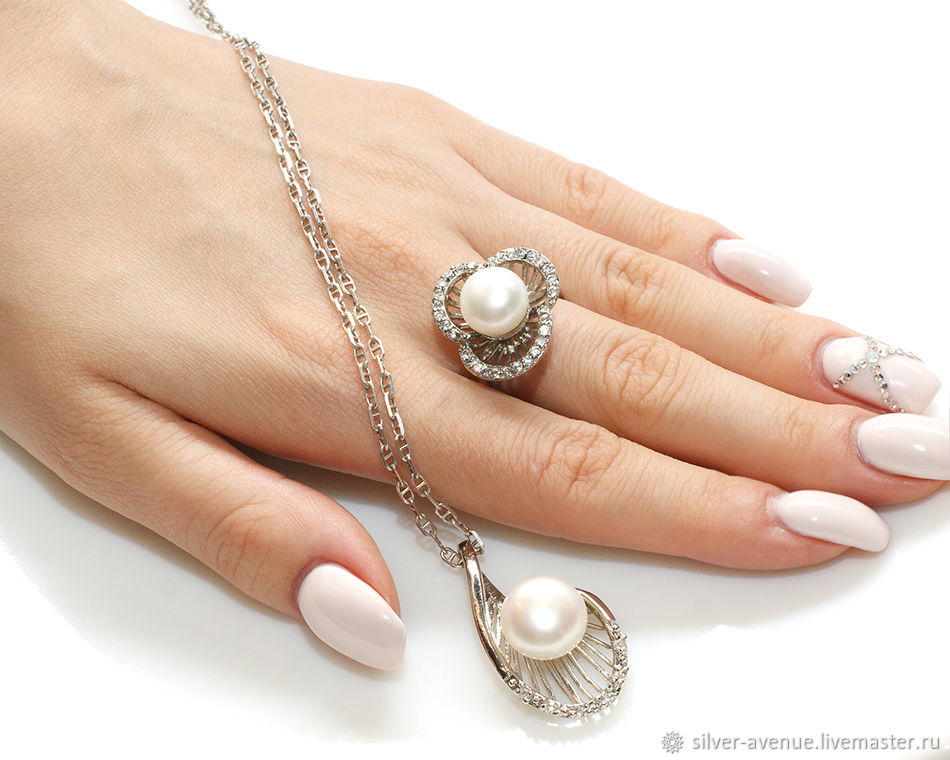 Комплект с  белым  жемчугом и цирконами, серебро 925