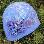 Аксессуары ручной работы. Ярмарка Мастеров - ручная работа Валяная шапка женская с цветами из шерсти синяя ручной работы. Handmade.