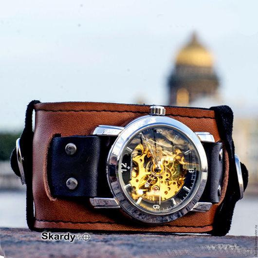 Наручные часы скелетоны механические на оригинальном авторском браслете Скарди из натуральной высококачественной кожи. Изготавливаются за 1 день для любого размера руки. Идеальный подарок