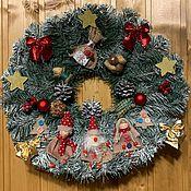 Дед Мороз и Снегурочка ручной работы. Ярмарка Мастеров - ручная работа Рождественский венок «Прогулка в лесу». Handmade.