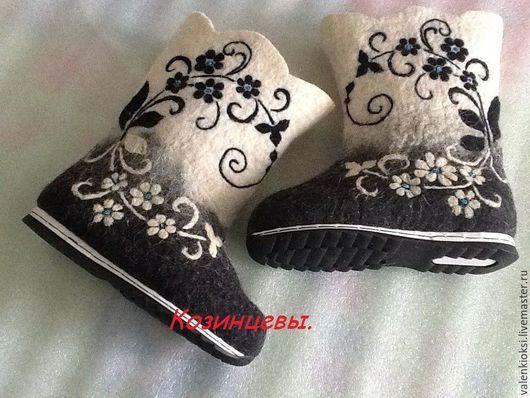 """Обувь ручной работы. Ярмарка Мастеров - ручная работа. Купить Валенки """"Чёрное, белое """". Handmade. Чёрно-белый"""