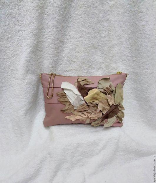 """Женские сумки ручной работы. Ярмарка Мастеров - ручная работа. Купить Кожаная сумочка """"Лети, лети, лепесток"""",розовая,кремовая,лепестки,сумка. Handmade."""