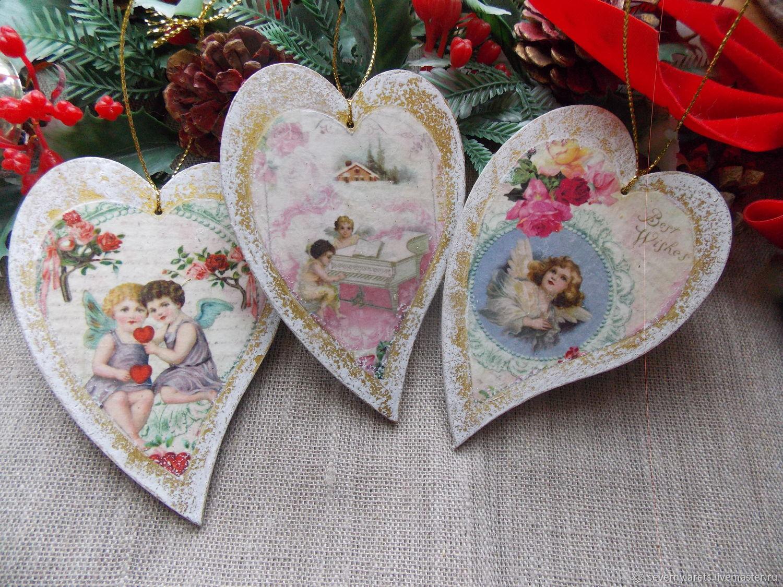 Елочные игрушки-подвески сердечки с ангелочками. Новогодний подарок.