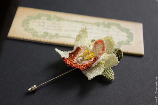 Броши ручной работы. Ярмарка Мастеров - ручная работа. Купить Брошь с кружевной орхидеей цимбидиум (Cymbidium). Handmade. Цветы, брошь