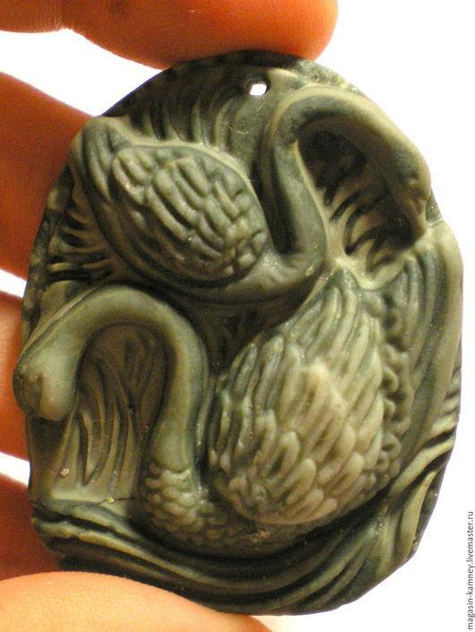 Для украшений ручной работы. Ярмарка Мастеров - ручная работа. Купить Резной кулон яшма Лебеди, подвеска. Handmade. Кабошон