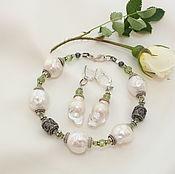 """Комплект """"Белые розы"""" серьги и браслет"""