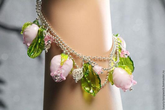 браслет серебро, серебро 925 пробы, серебряный браслет, розы, розовые розы, ювелирное украшение, браслет с цепочками, розы лэмпворк, бутоны лэмпворк роза розы