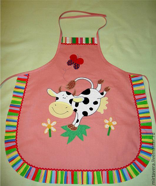 """Кухня ручной работы. Ярмарка Мастеров - ручная работа. Купить Детский фартук """"Весёлая бурёнка"""". Handmade. Розовый, корова, кухня"""