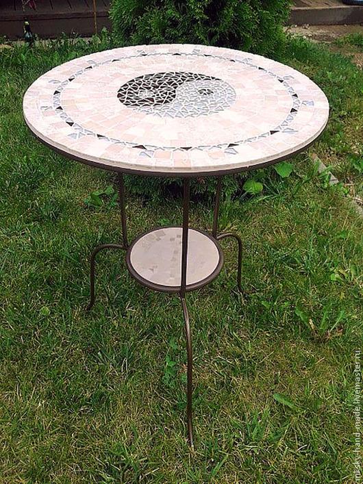 """Мраморный мозаичный столик ручной работы """"Инь-Ян"""" - подчеркнутая элегантность и стиль в Вашем интерьере.\r\nMKsky\r\nМы дарим Вам тепло наших рук"""