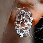 Серьги-пусеты ручной работы. Ярмарка Мастеров - ручная работа Серьги-пусеты: Silver Gaudí. Handmade.