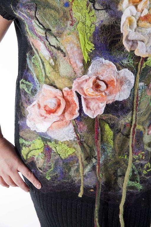 Платья ручной работы. Ярмарка Мастеров - ручная работа. Купить Акварель Розы Платье вязаное с валяным декором. Handmade. Черный