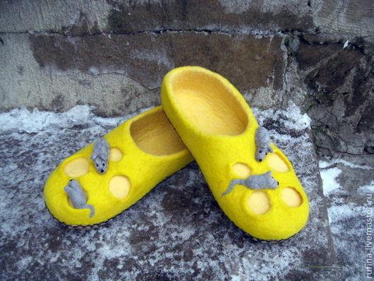 Обувь ручной работы. Ярмарка Мастеров - ручная работа. Купить Валяные тапочки 41р.. Handmade. Желтый, ручная работа