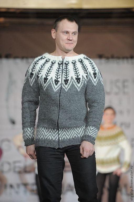 Показ моделей на международном Форуме моделей, талантов и дизайнеров FashionHouse  International, Москва\r\nСтепан Меньщиков