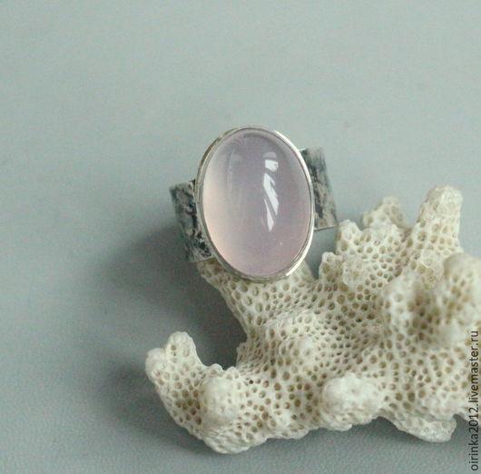 Кольца ручной работы. Ярмарка Мастеров - ручная работа. Купить Кольцо с розовым халцедоном. Handmade. Подарок девушке, в подарок женщине