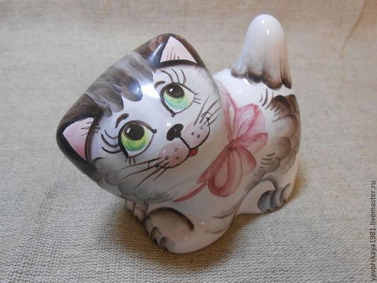 Миниатюрные модели ручной работы. Ярмарка Мастеров - ручная работа. Купить Котёнок Николай. Handmade. Разноцветный, колокольчик, сувенир, майолика
